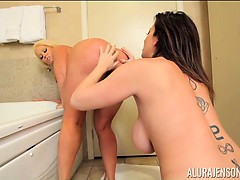 Alura Jenson Licks Sara Jay Clean