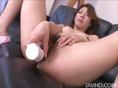 Reina Nishio fingers her pussy for the first time for her