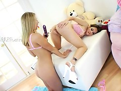 Sweet princesses deep dildoing anuses